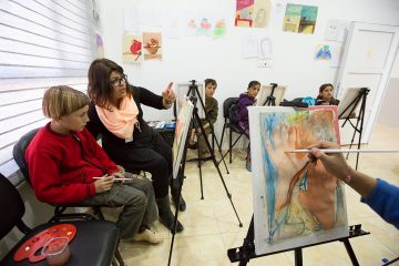 Art classes through our community center in Northern Iraq can help displaced children process trauma.